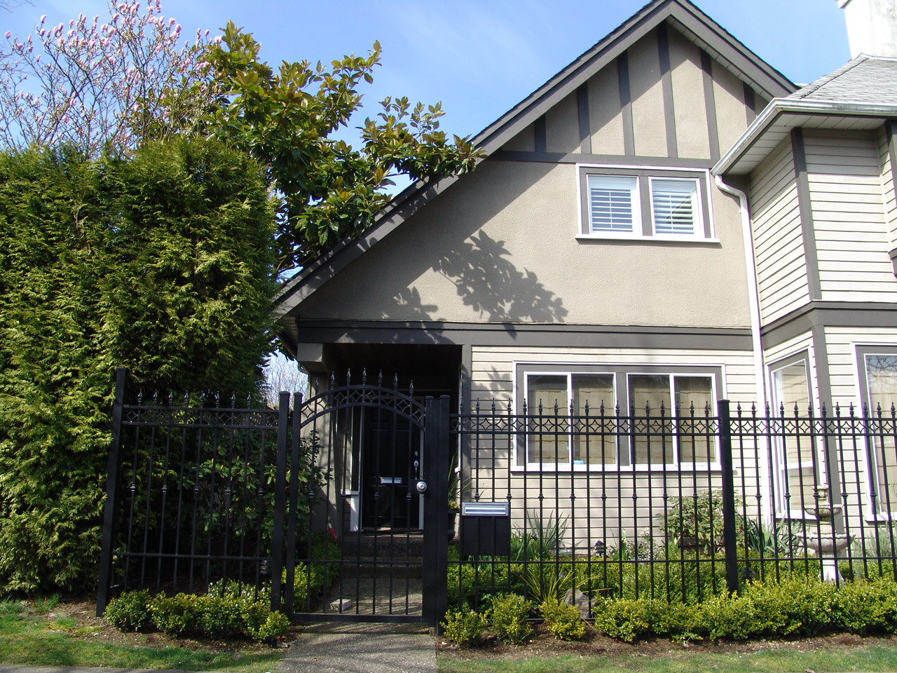 Kitsilano Duplex for sale:  3 bedroom 2,298 sq.ft. (Listed 2008-04-16)