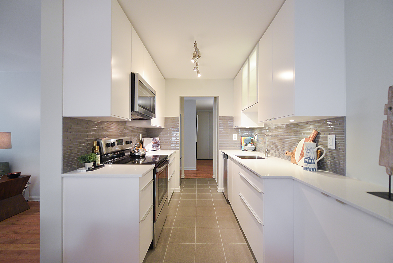 Mount Pleasant GORGEOUS 2 BEDROOM CONDO IN MOUNT PLEASANT for sale: McMillan House 2 bedroom 943 sq.ft. (Listed 2018-09-05)