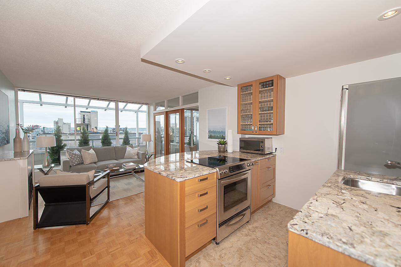 West End RARE WEST OF DENMAN VIEW PENTHOUSE for sale: The Palasades 2 bedroom Stainless Steel Appliances, Granite Countertop, Hardwood Floors (Listed 2019-04-16)