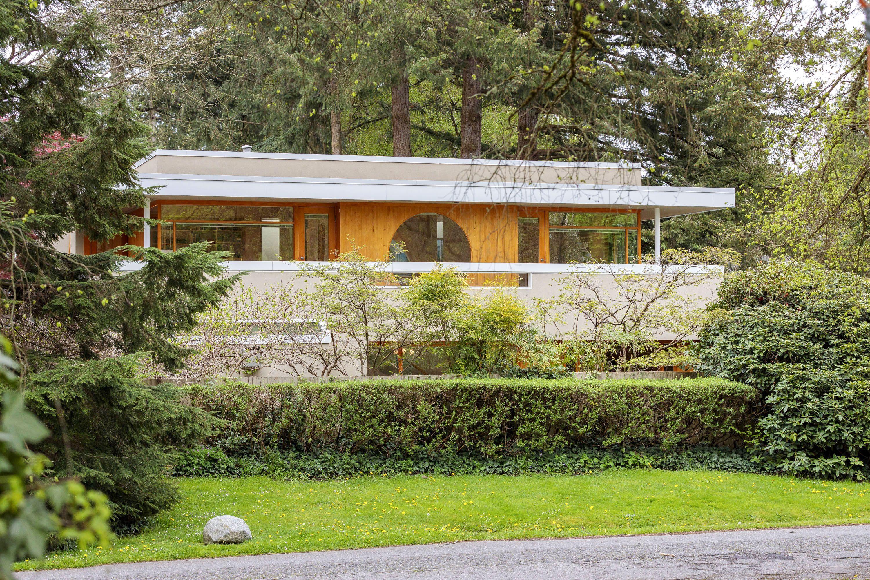PARK-SIDE ARCHITECTURAL MASTERPIECE  PARK-SIDE ARCHITECTURAL MASTERPIECE for sale:  4 bedroom 2,152 sq.ft. (Listed 2020-04-29)