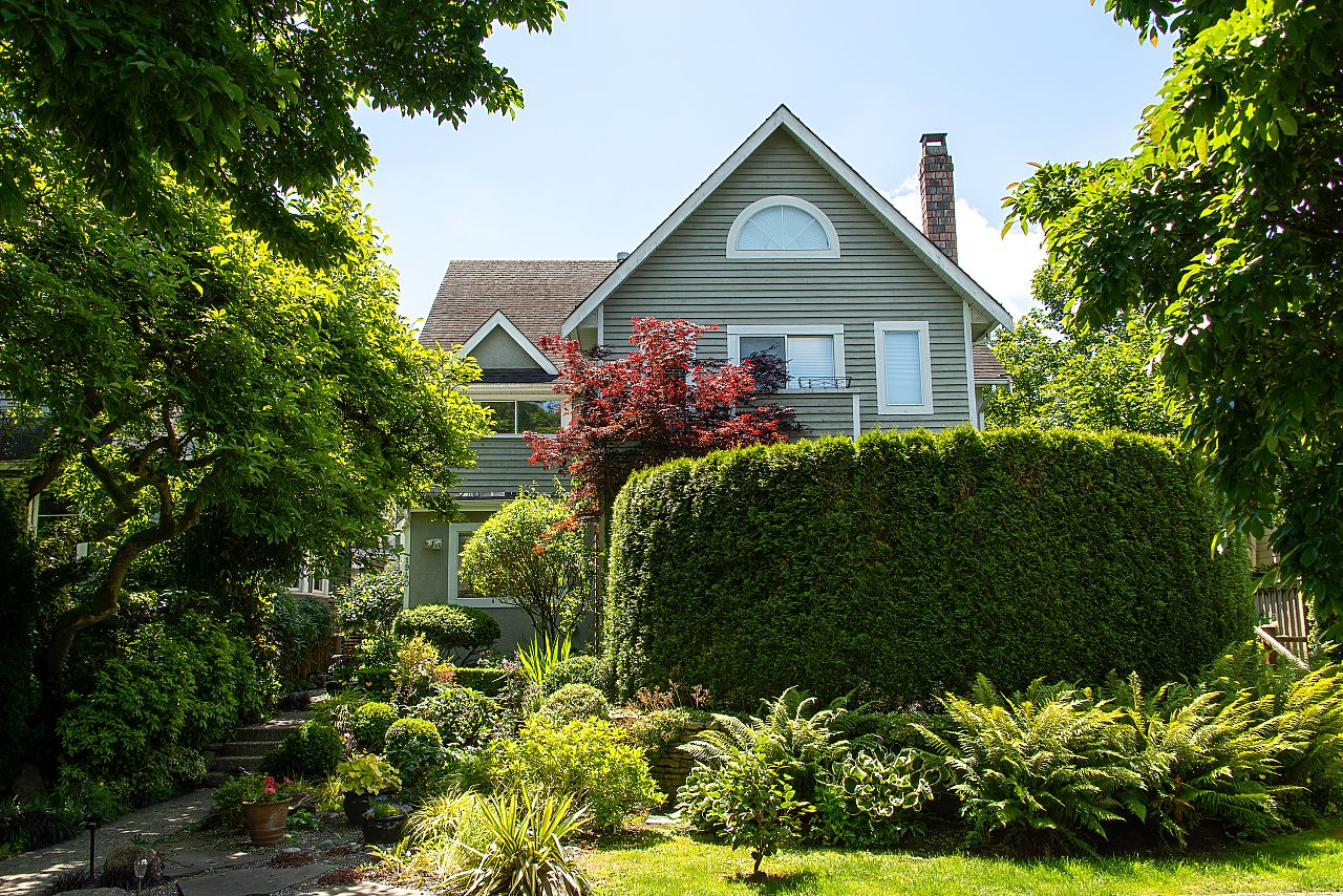KITSILANO  1/2 Duplex for sale:  3 bedroom 1,802 sq.ft. (Listed 2020-06-18)
