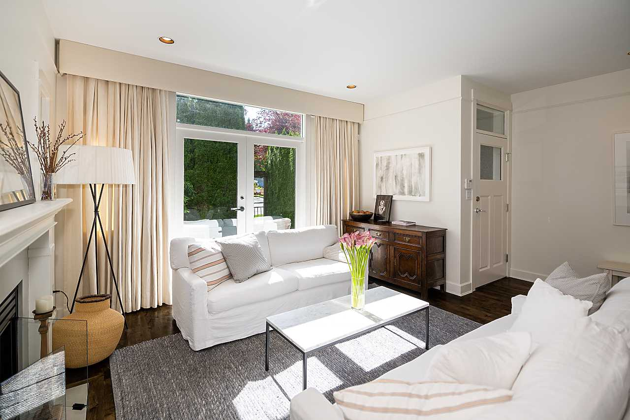 Fairview/Lower Shaughnessy 1/2 Duplex for sale:  3 plus den 2,367 sq.ft. (Listed 2021-09-30)