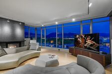 Coal Harbour Apartment/Condo for sale:  2 bedroom 2,006 sq.ft. (Listed 2021-02-20)