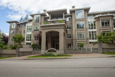 211 630 Roche Point Drive, North Vancouver, Apartment/Condo for Sale: The Legend 2 bedroom + den