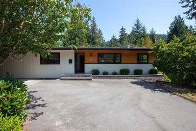 6230 ST. GEORGES AVENUE West Vancouver