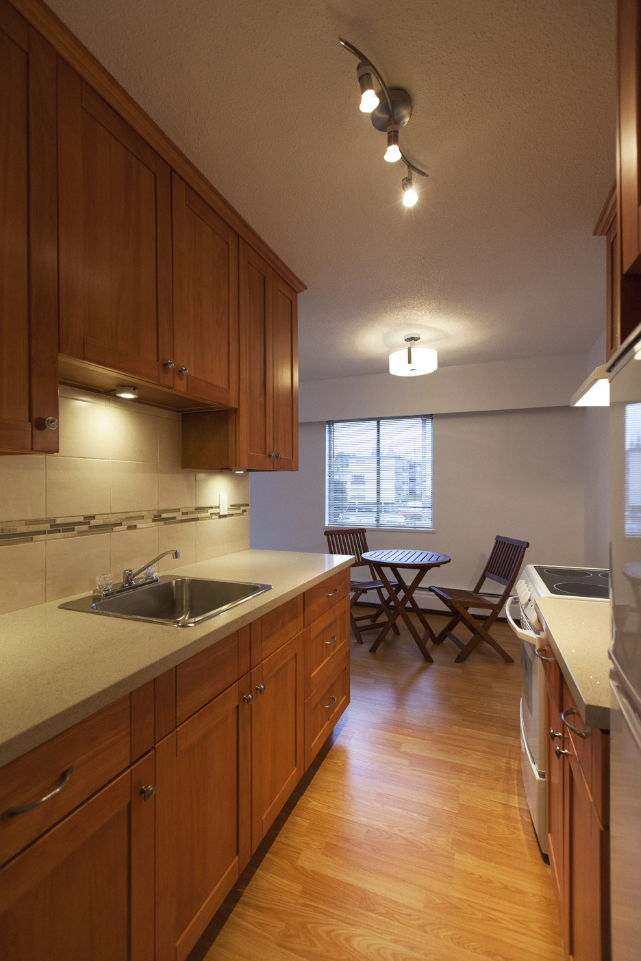 Central Lonsdale Condo for sale: 1 bedroom 653 sq.ft.