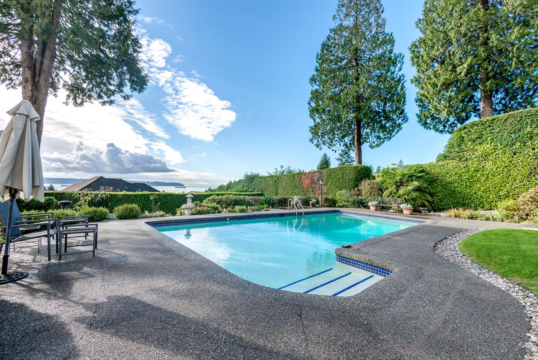 Westmount WV House for sale: 5 bedroom 3,650 sq.ft.