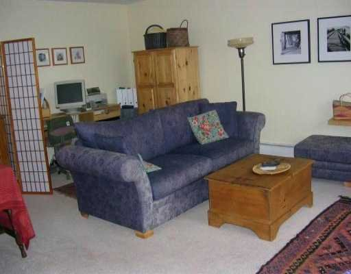 Lower Lonsdale  Apartment for sale:  1 bedroom 744 sq.ft. (Listed 2004-11-07)