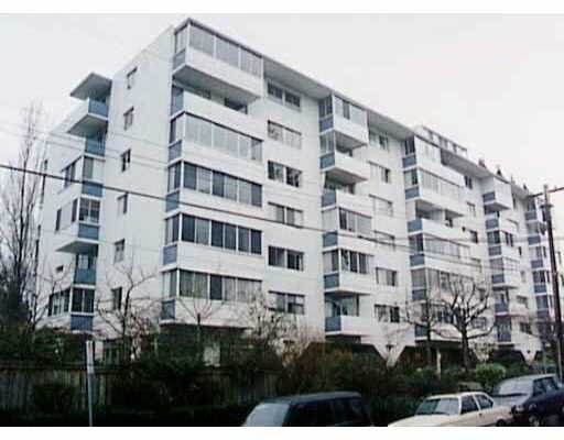 Ambleside  Apartment for sale: OCEANBROOK 1 bedroom 660 sq.ft. (Listed 2005-04-21)