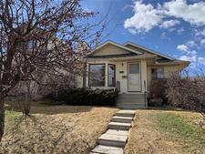 MacEwan Glen House for sale:  4 bedroom 1,012 sq.ft. (Listed 2019-04-24)