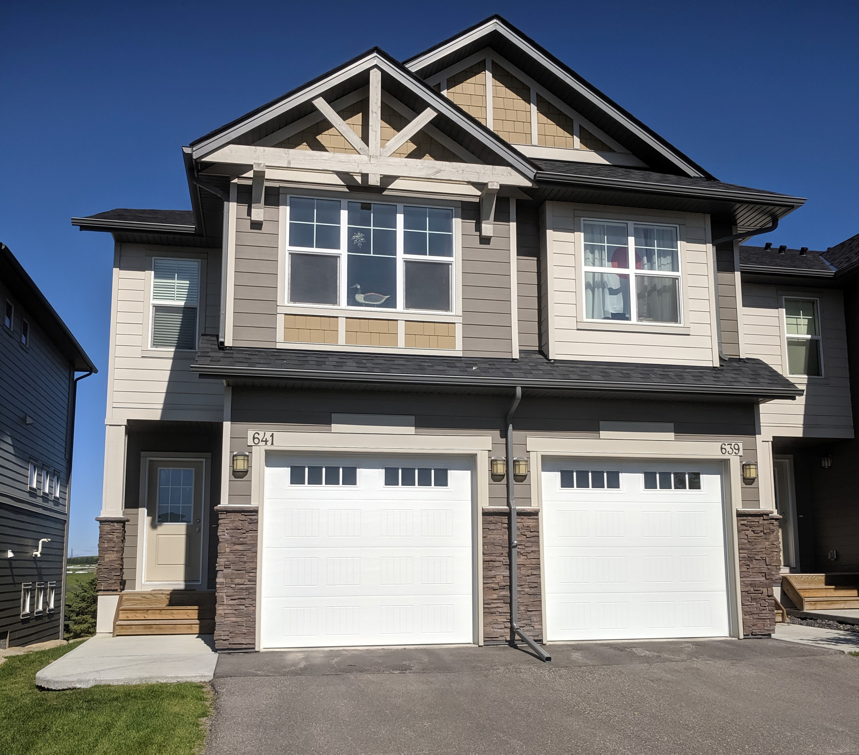 Sunset Ridge Townhouse for sale:  3 bedroom 1,354 sq.ft. (Listed 2019-08-12)