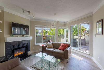 Kitsilano Apartment for sale: Westpointe 2 bedroom 949 sq.ft. (Listed 2019-06-05)