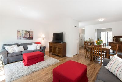 Central Lonsdale Townhouse for sale:  3 bedroom 1,141 sq.ft. (Listed 2016-07-22)