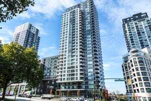Collingwood VE Condo for sale:  2 bedroom 840 sq.ft. (Listed 2019-10-01)