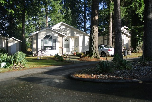 Langley Manufactured/Mobile for sale: Forest Green Estates 2 bedroom 1,014 sq.ft. (Listed 2011-12-20)