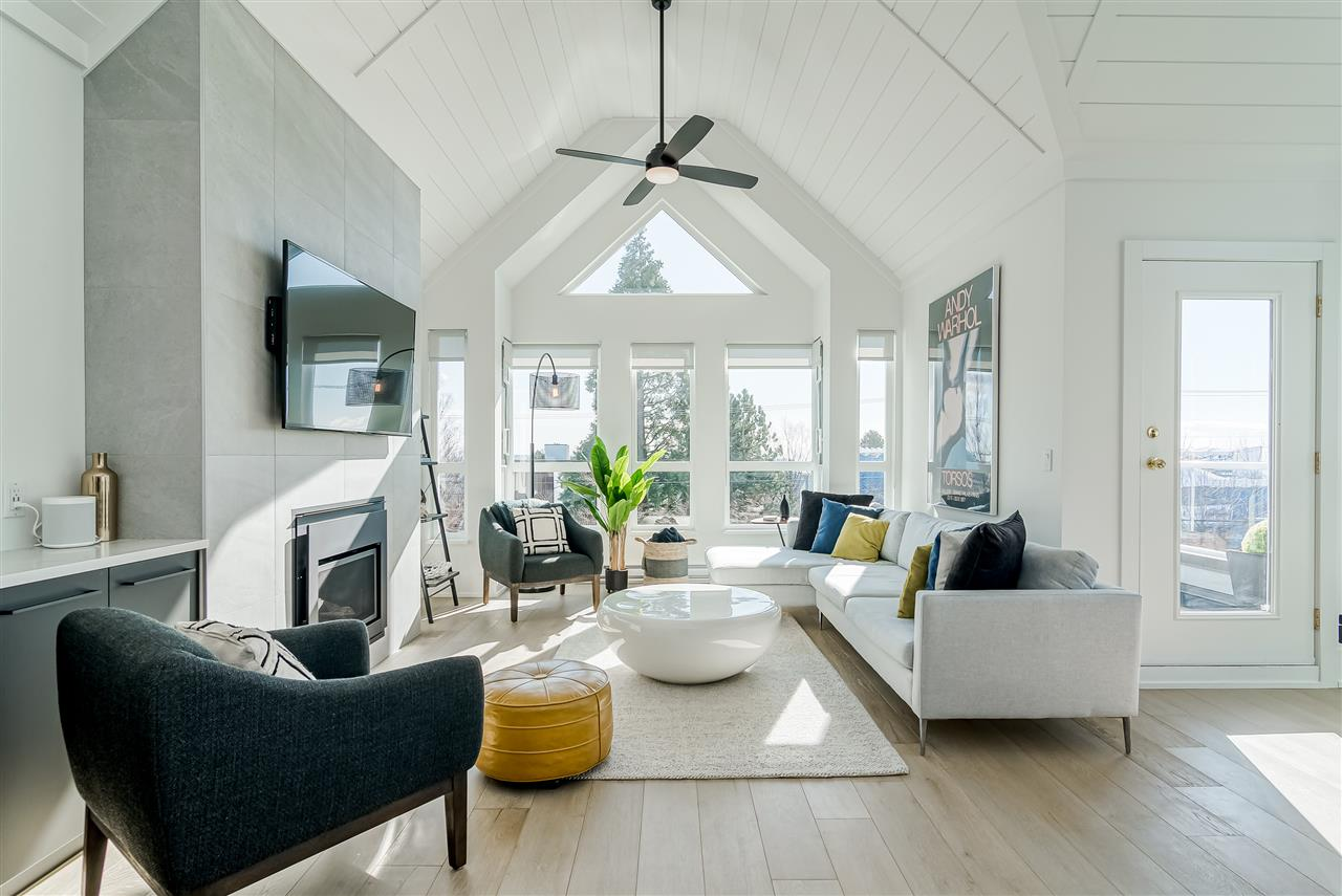 White Rock Condo for sale: Seville by the Sea 2 bedroom 1,354 sq.ft. (Listed 2020-03-05)