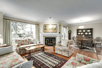 Central Lonsdale Townhouse for sale:  3 bedroom 2,495 sq.ft. (Listed 2020-11-30)
