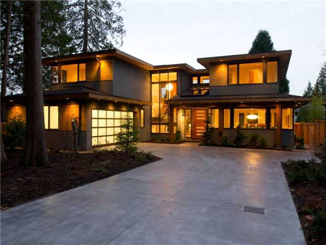 Nice North Vancouver Luxury Real Estate