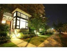 Mount Pleasant VE Townhouse for sale:  1 bedroom 781 sq.ft. (Listed 2021-04-08)