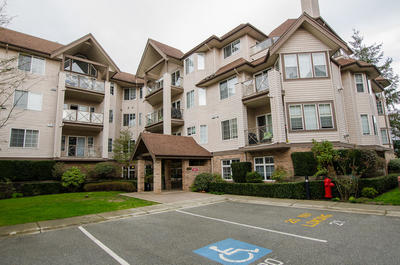 Delta Manor Apartment for sale: Adlington Court 1 bedroom 739 sq.ft. (Listed 2019-05-31)