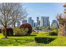 False Creek Apartment for sale: Henley Court 1 bedroom 732 sq.ft. (Listed 2017-05-01)