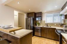 North Shore Pt Moody Townhouse for sale:  3 bedroom 1,042 sq.ft. (Listed 2020-03-13)