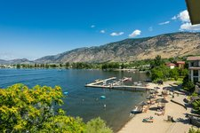 OSOYOOS Condo in Waterfront Complex for sale: WALNUT BEACH RESORT 1 + Den 786 sq.ft.