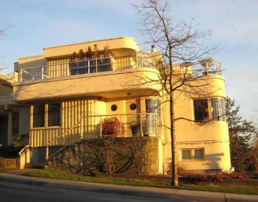 Lower Lonsdale Townhouse for sale: STREAMLINE PLACE 3 bedroom 1,515 sq.ft.