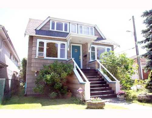 Renfrew VE House for sale:  4 bedroom 2,206 sq.ft.