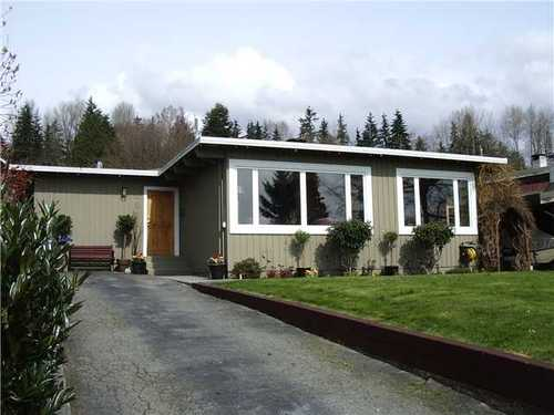 Calverhall House for sale:  3 bedroom 1,520 sq.ft. (Listed 2011-04-17)