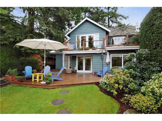 3841 LONSDALE AVE, Upper Lonsdale House for sale:  3 bedroom 1,630 sq.ft.