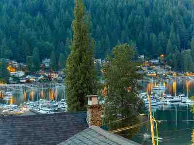 Deep Cove House for sale:  5 bedroom 3,114 sq.ft. (Listed 2018-06-01)