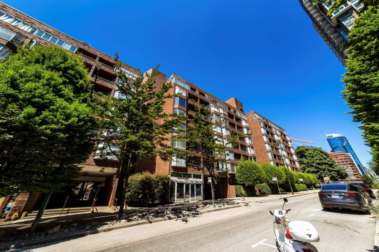 321-1333 Hornby St, Downtown Vancouver Condo for sale: Anchor Point 3, 1 bedroom 536 sq.ft., David Valente Royal LePage Sussex