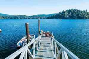Deep Cove House for sale:  3 bedroom 3,032 sq.ft. (Listed 2020-01-06)