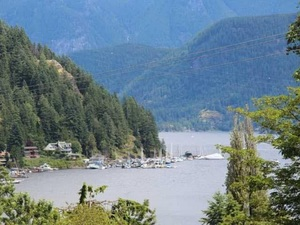 Deep Cove House for sale:  4 bedroom 2,925 sq.ft. (Listed 2017-06-27)