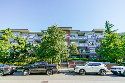 Central Pt Coquitlam CONDO for sale: SYMPHONY AT GATES PARK 2 bedroom 925 sq.ft. (Listed 2019-06-13)