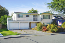 Woodwards House for sale:  4 bedroom 2,612 sq.ft. (Listed 2017-10-06)