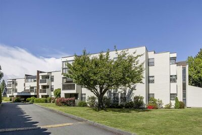 Riverdale RI Apartment for sale: Sharon Manor 1 bedroom 766 sq.ft. (Listed 2021-05-25)