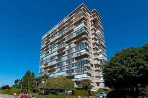 Dundarave Condo for sale:  1 bedroom 727 sq.ft. (Listed 2019-07-03)