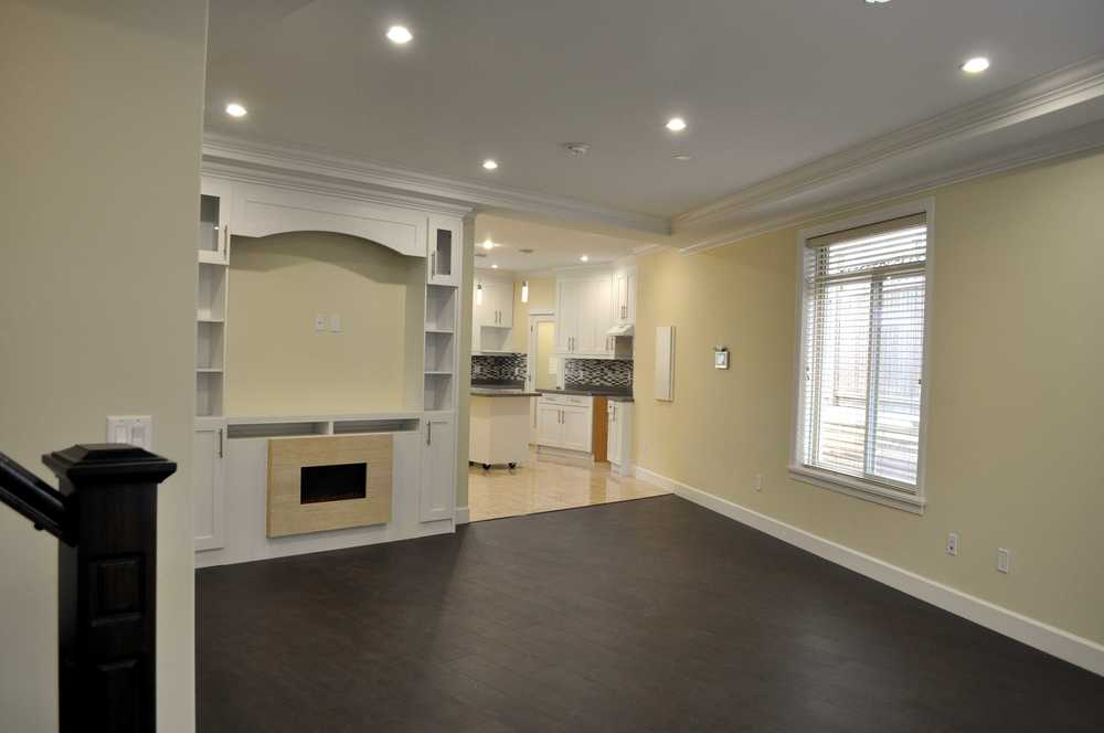 highgate duplex for sale 4 bedroom stainless steel appliances tile backsplash dark hardwood floors laminate floors 1990 sqft listed 2015 05 07