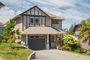 La Mill Hill House for sale:  4 bedroom 2,329 sq.ft. (Listed 2019-10-02)