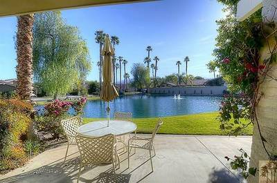 The Lakes Country Club Vacation Home for sale:  2 bedroom 1,368 sq.ft. (Listed 2013-09-01)