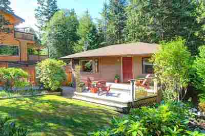 Deep Cove House for sale:  3 bedroom 1,570 sq.ft. (Listed 2018-09-21)