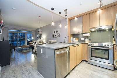 Hamilton Condo for sale:  2 bedroom 803 sq.ft. (Listed 2018-11-14)