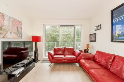 Lynnmour Condo for sale:  1 bedroom 605 sq.ft. (Listed 2019-09-11)