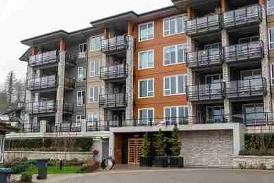 Roche Point Condo for sale:  2 bedroom 975 sq.ft. (Listed 2020-02-18)