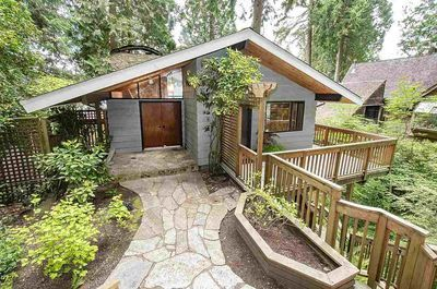 Deep Cove House for sale:  5 bedroom 3,315 sq.ft. (Listed 2020-05-21)
