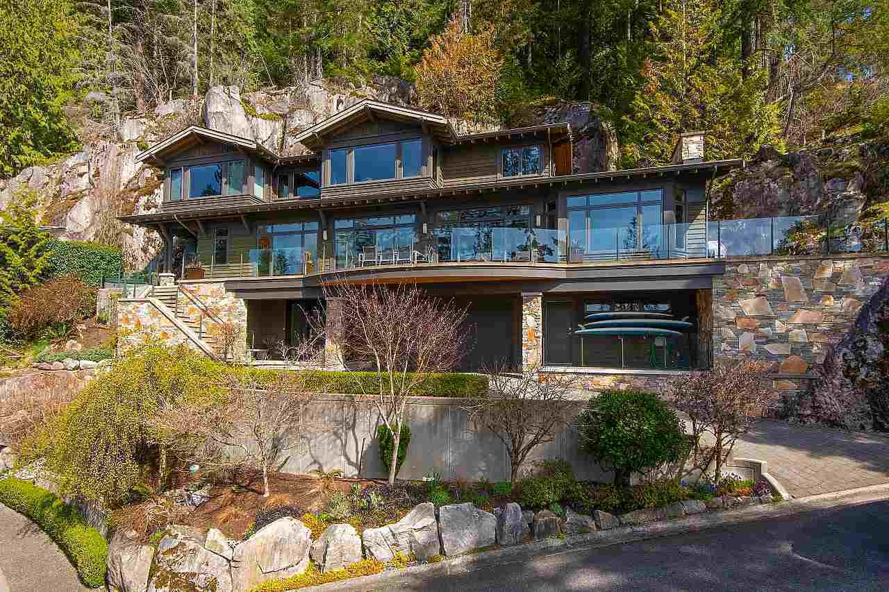2881 PANORAMA DRIVE North Vancouver