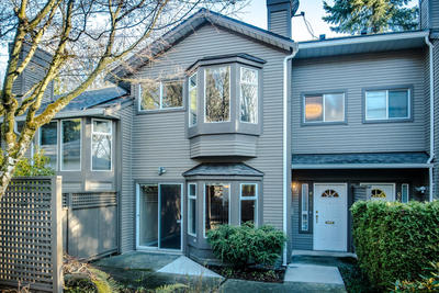 Forest Hills Townhouse for sale: Princess Hill 3 bedroom 2,043 sq.ft. (Listed 2019-12-09)