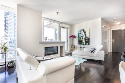 Vancouver West Apartment for sale: Dolce @ Symphony Place 2 bedroom 1,027 sq.ft. (Listed 2020-03-18)
